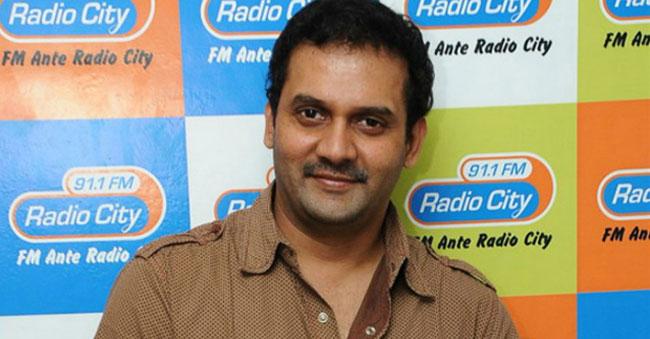 Flash! Flash! Well-known comedian Vijay Sai (Ammayilu Abbayilu) commits suicide!