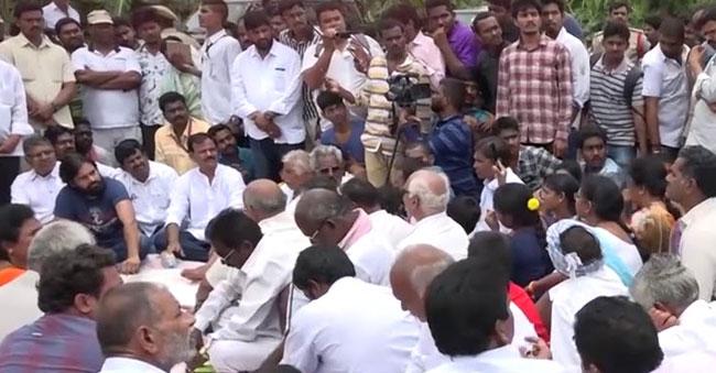 Pawan gives assurance for Undavalli farmers