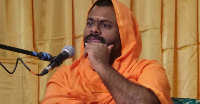 BanOn Swami Paripoornananda: T-Govt's Witty Act For Vote Bank