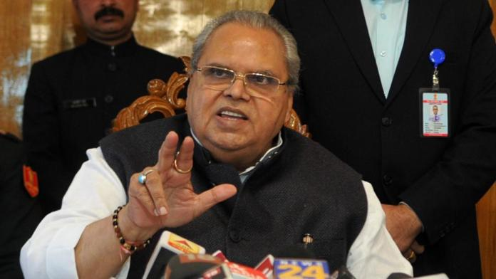 Kashmiri leaders did not lose their own to terrorism: Governor