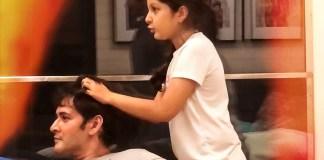 Sitara was giving a head massage to Mahesh Babu