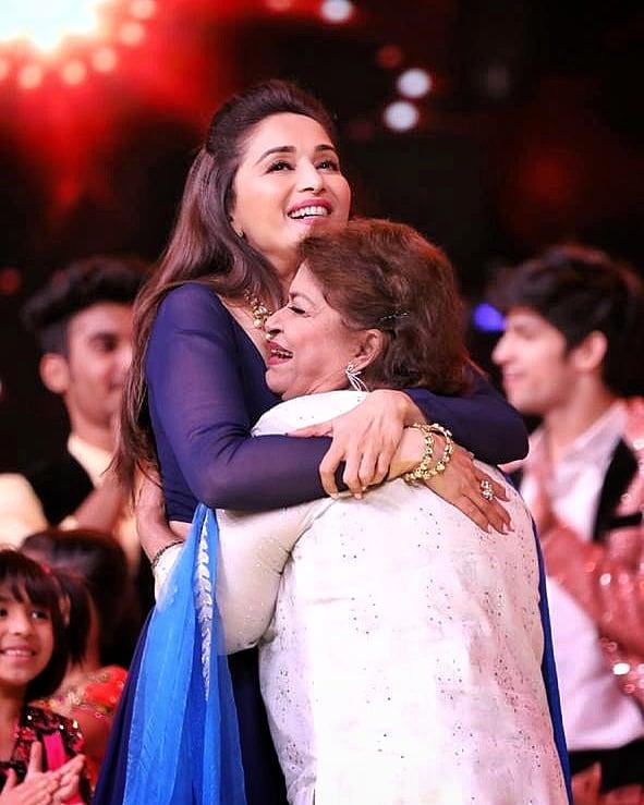 Madhuri will miss 'Guru-shishya bond' with Saroj Khan
