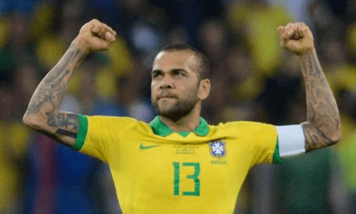 Dani Alves undergoes surgery on broken arm