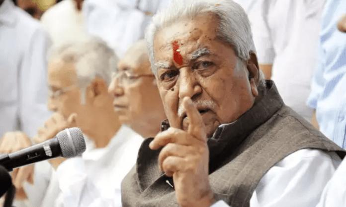 National lost a stalwart leader: President on Keshubhai's death