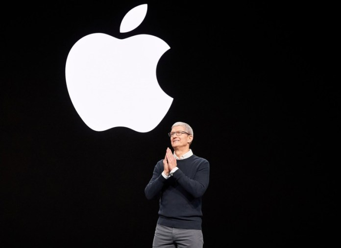 Apple CEO Tim Cook, Facebook's Mark Zuckerberg Public Fight Over Privacy Issues