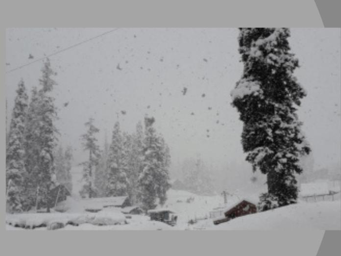 Fresh snow in higher reaches of Jammu & Kashmir