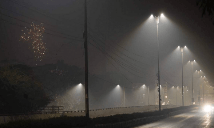 Pune gets night curfew, stringent norms from today