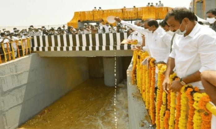 Telangana releases Godavari water into Manjeera