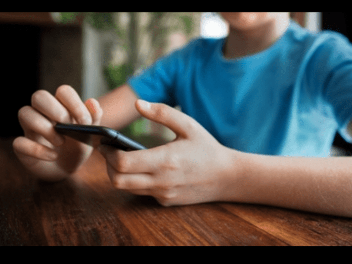 iPhone game for kids secretly turns into casino