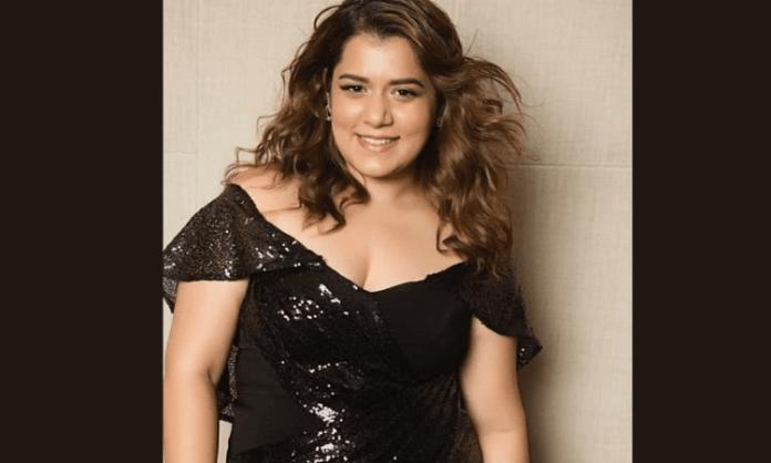 Shikha Talsania marks Marathi debut with 'Shantit Kranti'