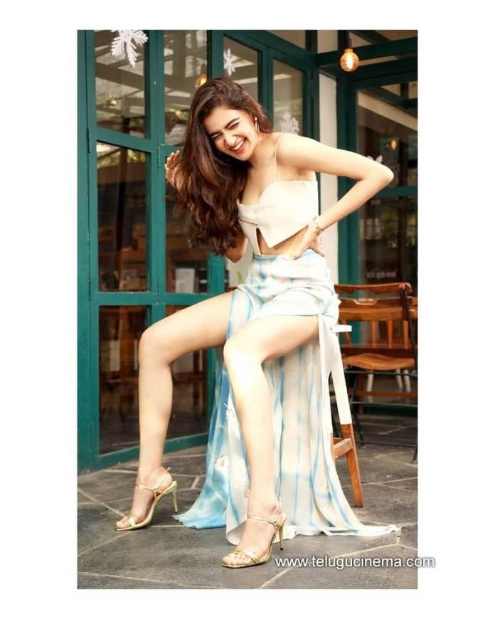 Rukshar Dhillon flaunts her toned legs