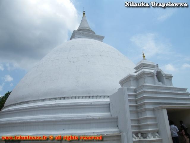 nilanka-urapelewwe-blog-voyage-sri-lanka-kelaniya-temple-travel-blog-telunfusee-11