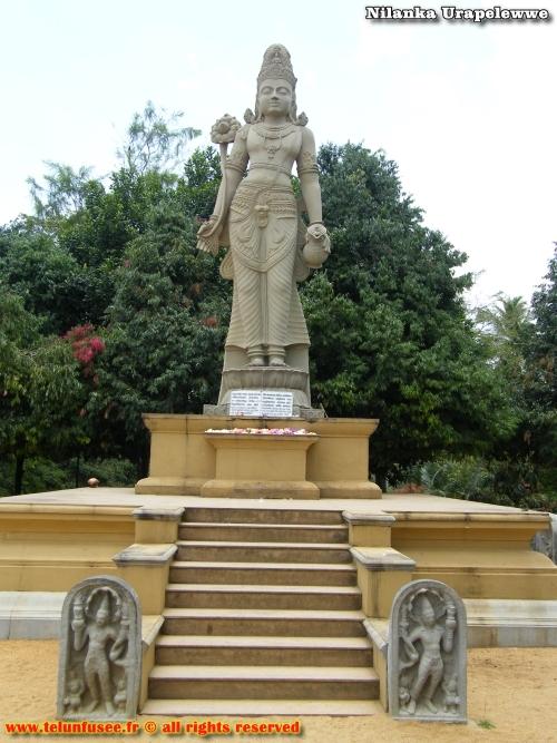 nilanka-urapelewwe-blog-voyage-sri-lanka-kelaniya-temple-travel-blog-telunfusee-12