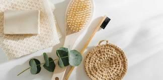 Produtos Sustentáveis: escova de dentes de bambu, xampu sólido e guardanapo de pano