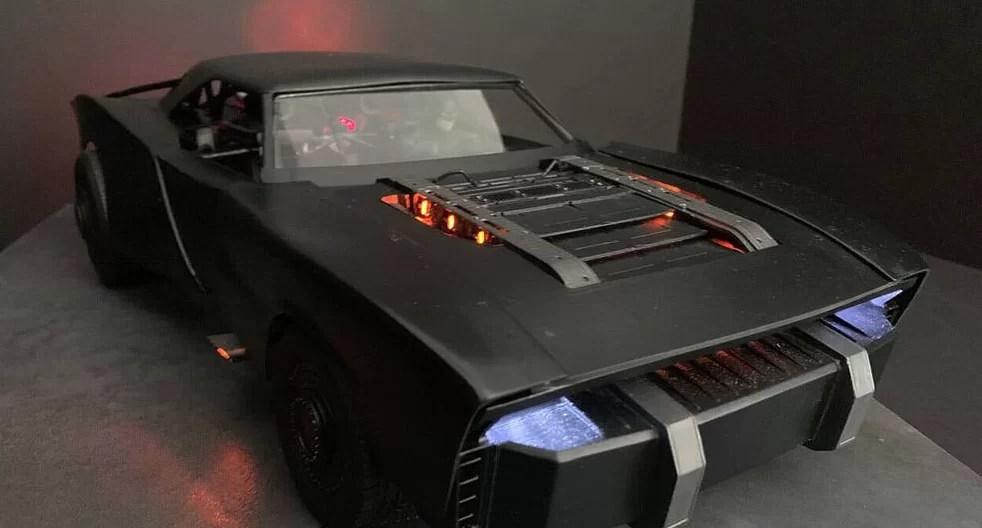 Imagens inéditas mostram detalhes do novo batmóvel para The Batman