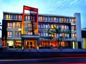 100-sunset-2-hotel-kuta-bali_