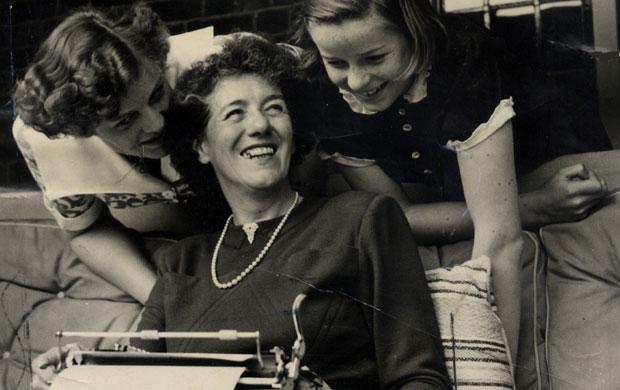 bakat anak enid blyton penulis buku anak terkenal ini ternyata pernah dilarang menulis oleh ibunya