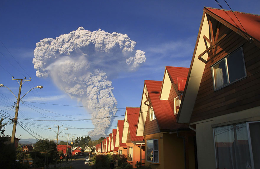 volcano-eruption-calbuco-chile-20__880