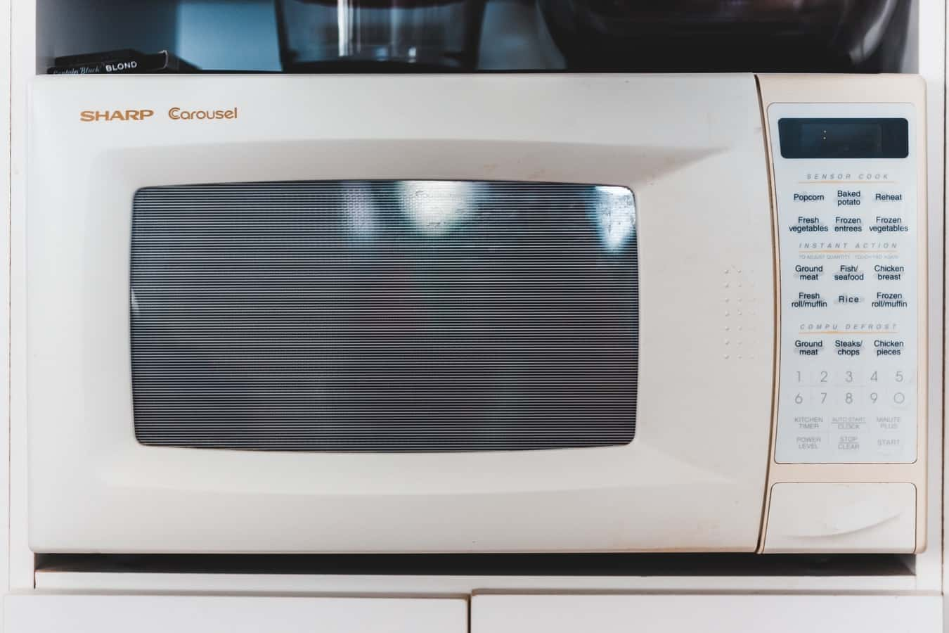 my microwave oven keeps tripping the