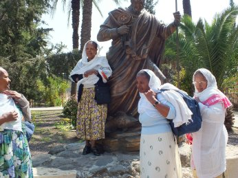African Christians venerate Simon Peter statue