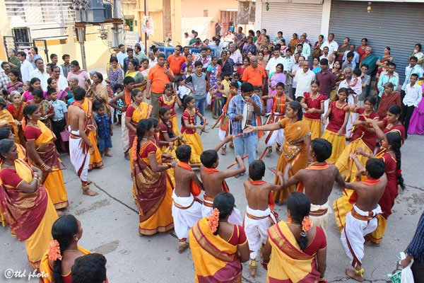 Sri-Kodanda-Rama-Swamy-temple-devotees-dancing