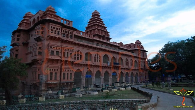chandragiri fort-sideview