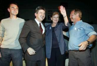2004, campagne pour le référendum. La « gauche de la gauche » est souriante et unie