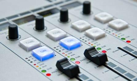 radio-console
