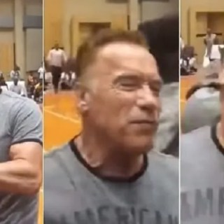 Arnold Schwarzenegger, attore, attori, actors, actor, attori, cinema, star, star life, hollywood, news, aggressione, calcio, spalle, folle, Terminator, fan.