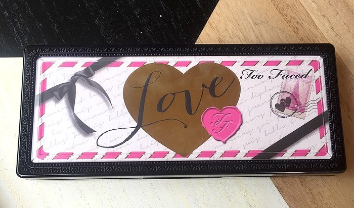 palette love too faced 16