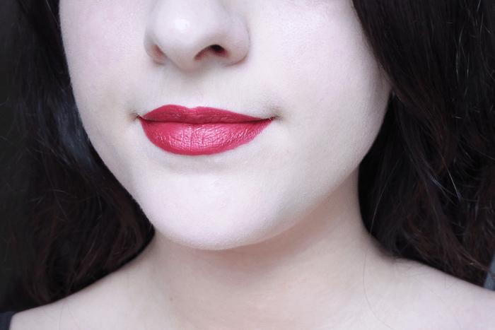 neve cosmetics psicotropical tendance clémence