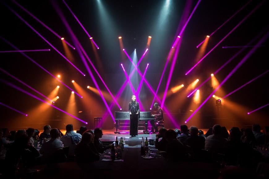 """Le Dîner Spectacle """"Love Must Go On"""" au Casino Barrière de Toulouse"""