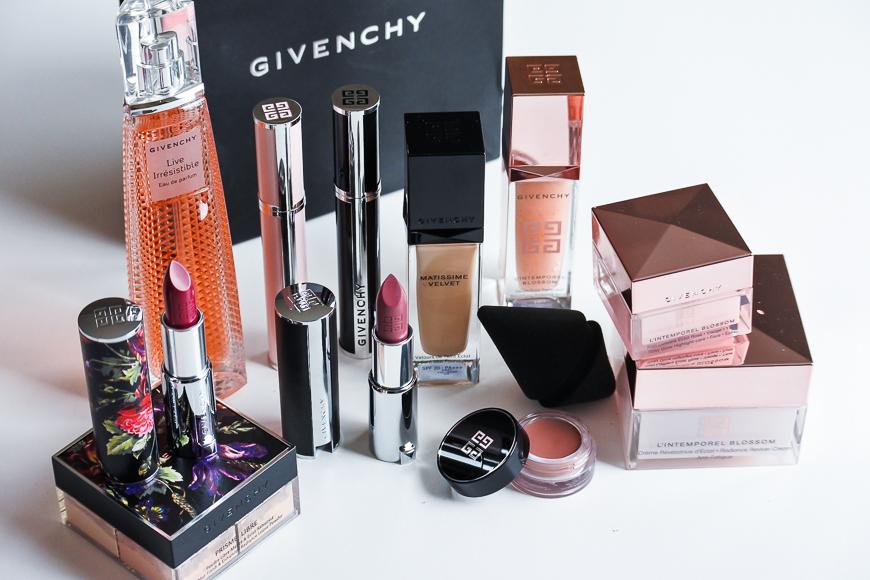 Zoom sur les produits de maquillage & soins Givenchy