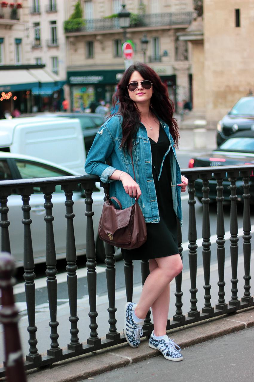 Look n°136 • La petite robe noire