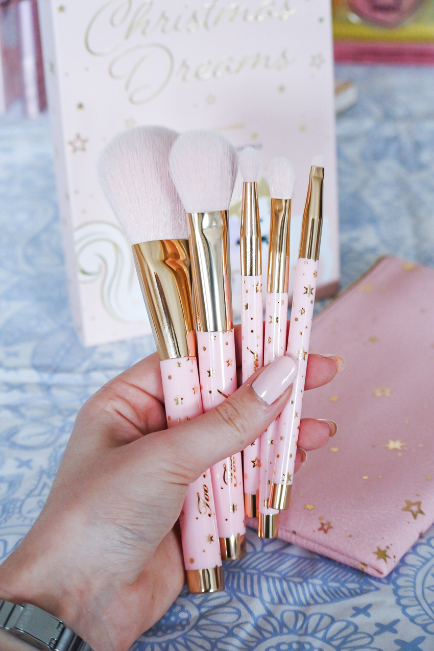 pinceaux too faced