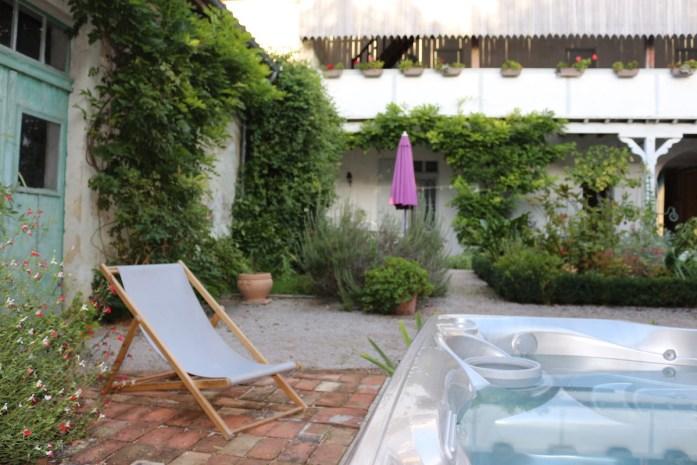 Spa et extérieur Villandraut - La Cordonnerie - Chambres d'hôtes