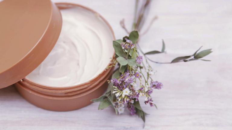 mejores cremas humectantes para piel grasa