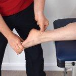 Bursitis, inflamación que puede aparecer en codos, rodillas y pies