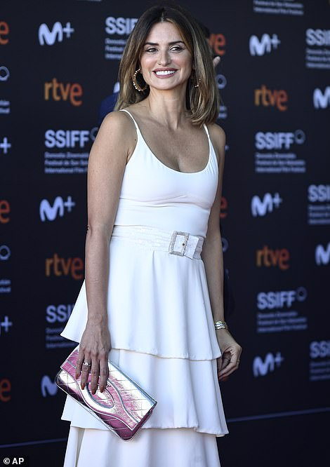 Beaming: Penelope had a huge smile on her face as she posed ahead of the screening
