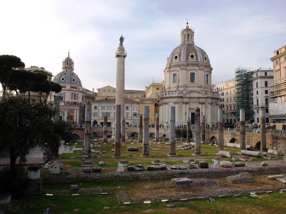 Colonne de l'Empereur Trajan à Rome
