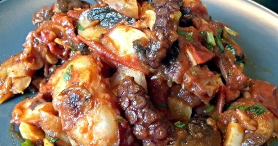 garlic-tomato-octopus-with-hot-paprika