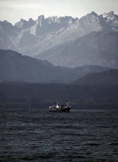 Picos de Europa desde la Costa de Llanes -Foto de Paco Lavin