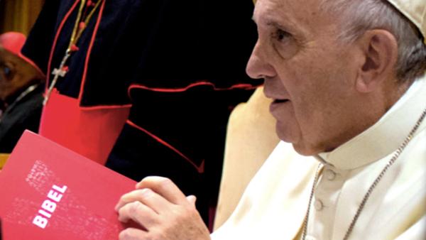 El Papa le habla a los jóvenes sobre la Biblia