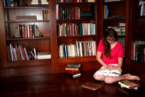 Author Tenille Berezay, Reading her favorite books