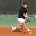 Santiago Maresca avanza en el dobles