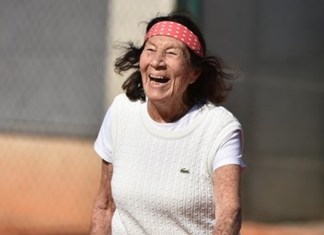 Helene Salvetat juega el Mundial de Tenis Super Seniors en Croacia