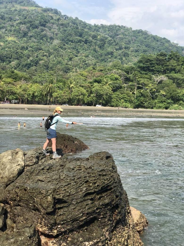 Karin Miller - Tico Tenkara Costa Rica - Surfcasting