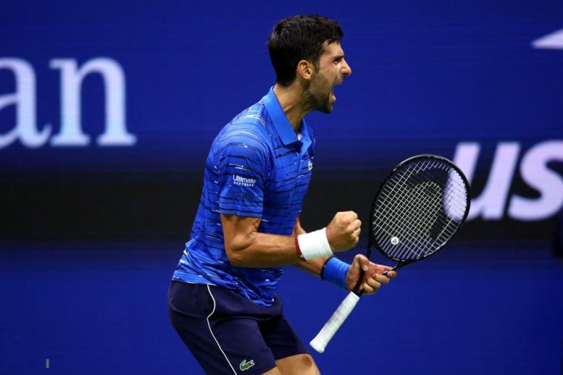 "Novak Djokovic yells ""shut the f**k up"" to the crowd"