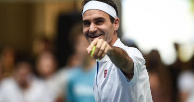 Roger Federer fans took Swissmint website down to order RF coin