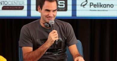 Roger Federer gives compensation to the fans while the organizers refused